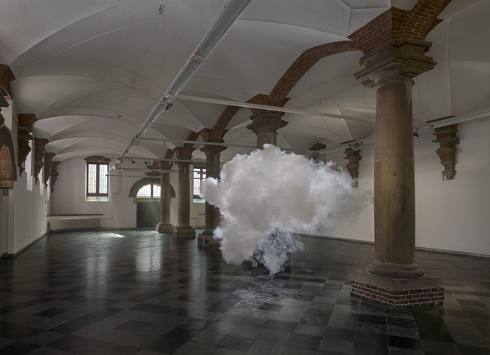Nimbus_by_Berndnaut_Smilde