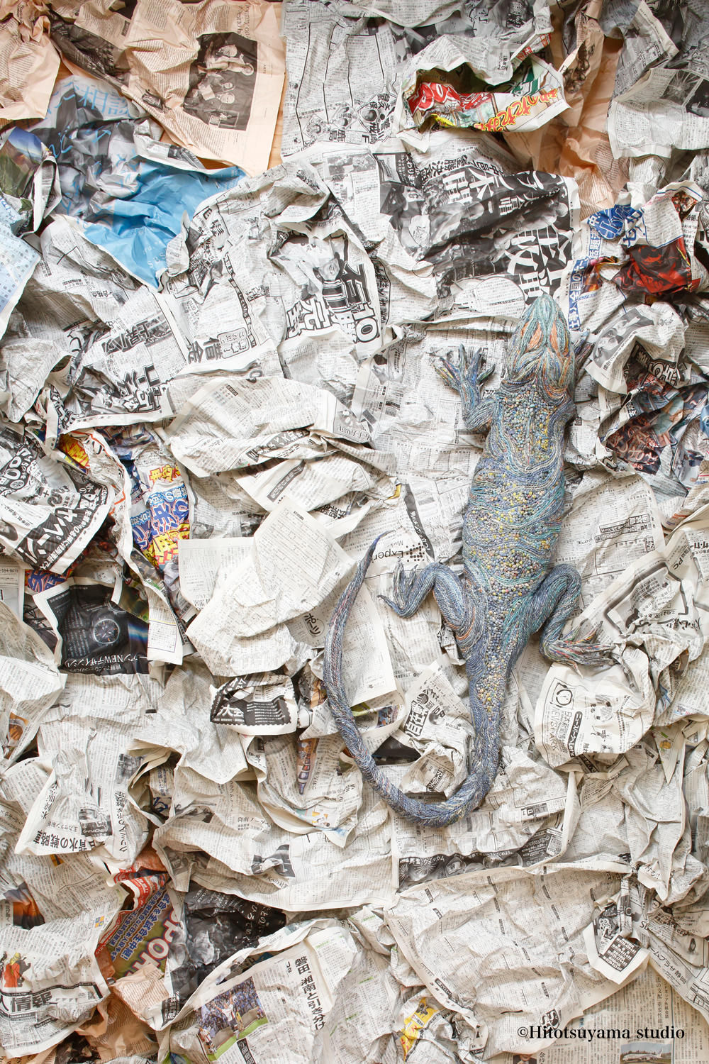 Newspaper_Sculpture_by_Chia_Hitotsuyama