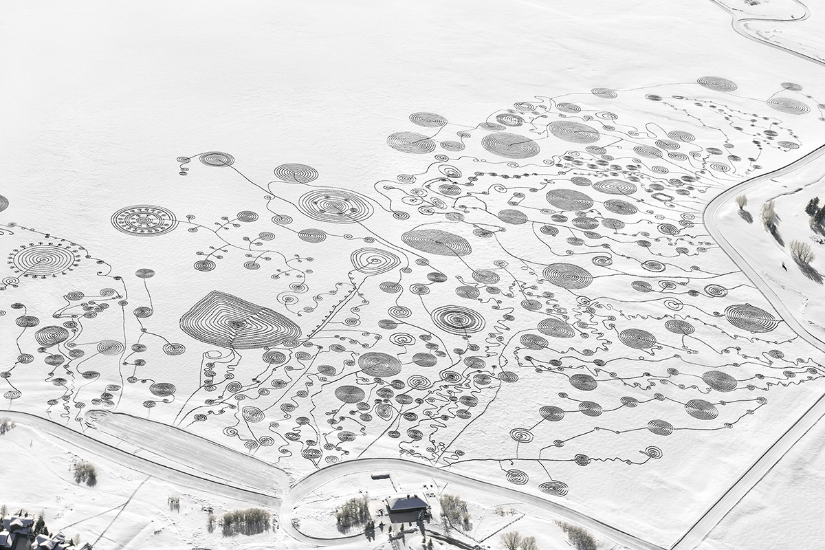 Image of Epic Snow Drawings by Sonja Hinrichsen